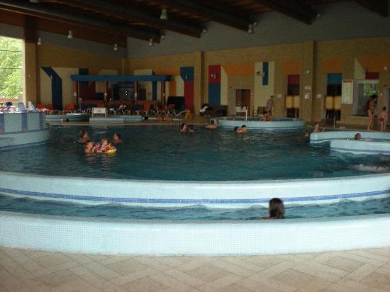 Hotel Azur: Hallenbad mit Schwefel- und Pezsgöbecken