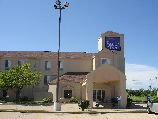 Sleep Inn Springfield: Outside of hotel