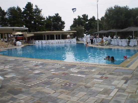 Holidays In Evia & Eretria Village Hotels : Piscine eau de mer