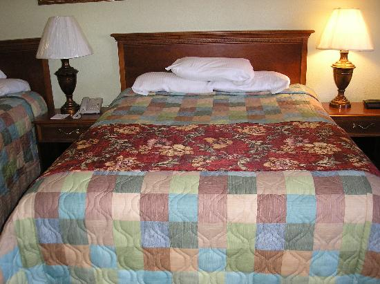 La Quinta Inn Steamboat Springs: One of the 3 queen beds
