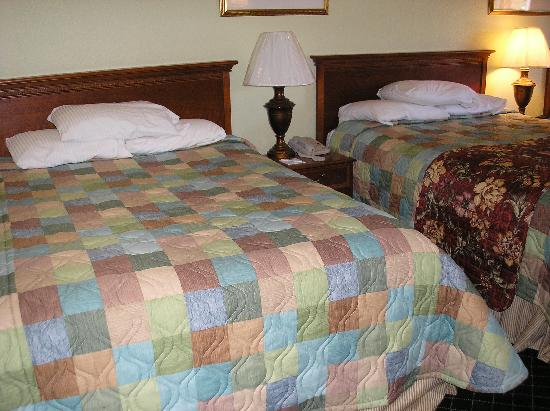 La Quinta Inn Steamboat Springs: 2 of the 3 queen beds