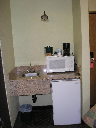 "La Quinta Inn Steamboat Springs: The ""kitchen"" area"