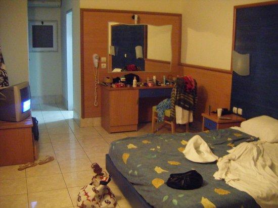 Eurovillage Achilleas Hotel: bedroom