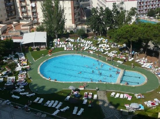 Hotel Samba: Pool view from balcony