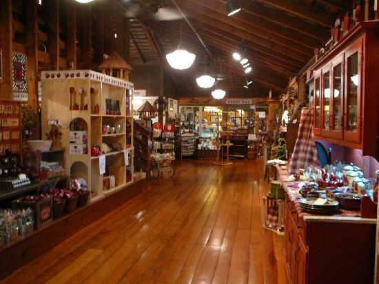 The Apple Barn Cider Mill And General Store : Front Interior of the Apple Barn General Store