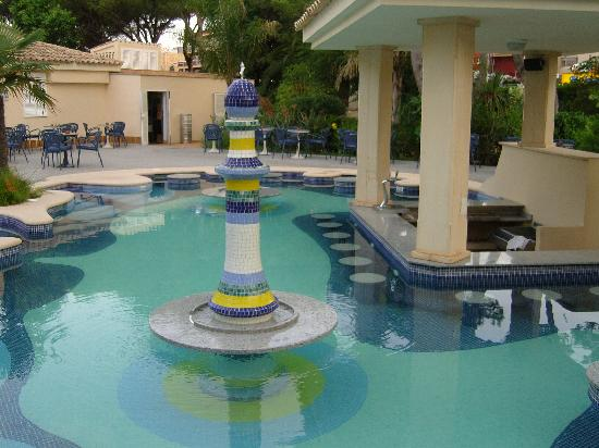 Hotel Riu Bravo: la psicine-bar avec jacuzzi, le top !