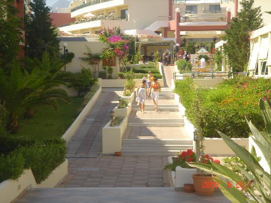 Hydramis Palace Beach Resort: de la mer vers le hall