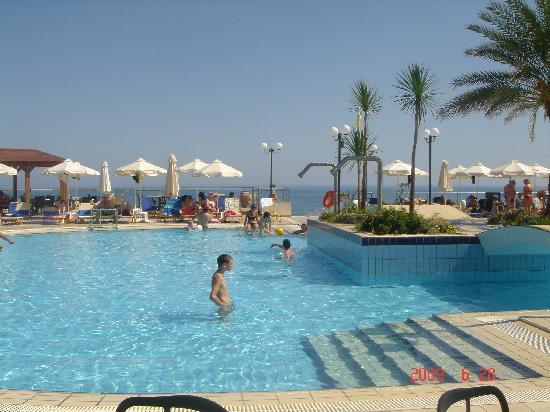 Hydramis Palace Beach Resort: la piscine