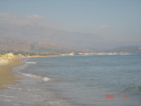Hydramis Palace Beach Resort: plage de sable jusqu'à Georgioupolis