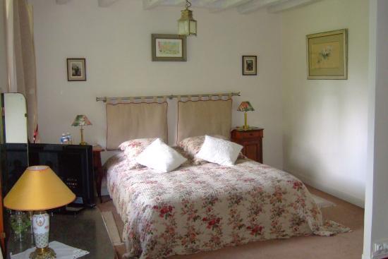 Le Moulin de Villez : 'Pivoine' bedroom