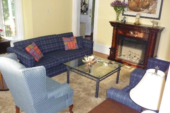 Ballyclare Bed & Breakfast: Living room