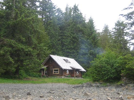 Katlian Street Suites: a US Forest service cabin we rented for a day