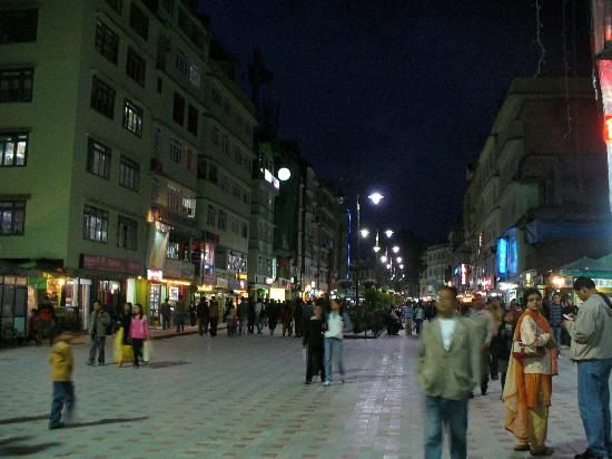 The Oriental Mg Marg At Night