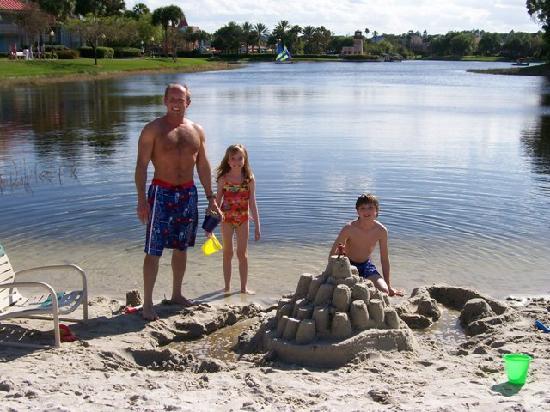 Disney S Caribbean Beach Resort Building Sand Castles