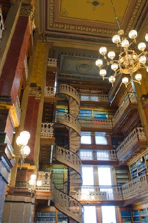 Des Moines, IA: Law Library, one of the coolest libraries I have seen