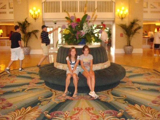 Disney's Beach Club Resort : lobby
