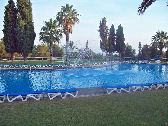Vilanova Park: the pool