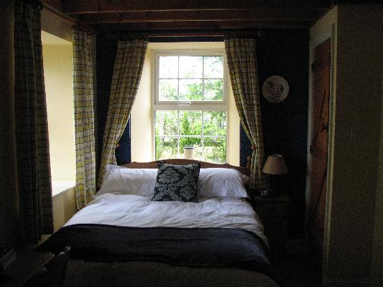 Downstairs Master Bedroom Picture Of Coopers Cottage Tipperary Tripadvisor