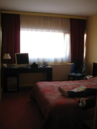Hotel Lille Europe: Room 404