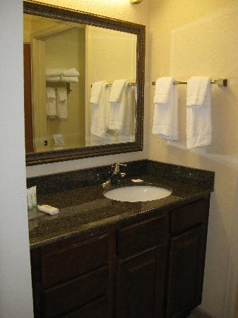 Staybridge Suites Royersford-Valley Forge: Bathroom Vanity is separate from Tub/Toilet