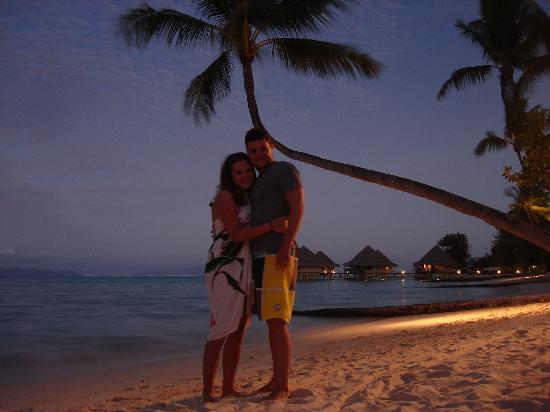 InterContinental Bora Bora Le Moana Resort: Beach at night