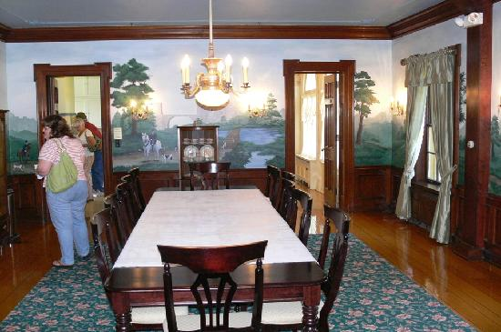 The Felt Estate: Dining room with reproduction murals