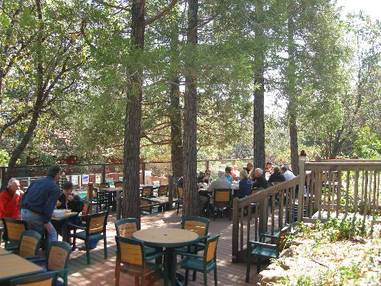 Pine Hills Lodge: Retreat Luncheon on the 5 Cedar Deck
