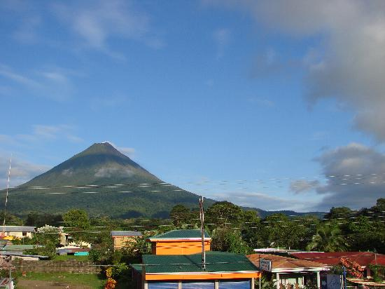 San Bosco Inn: View of the volcano from the observatory