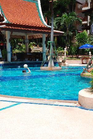 Chanalai Flora Resort: bottom swimming pool