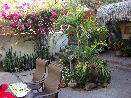 Casa Tuscany Inn: Casa Tuscany- Main Courtyard
