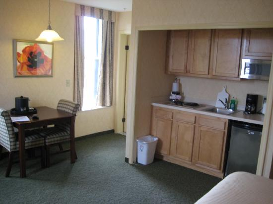 Parkview Hotel: little kitchen