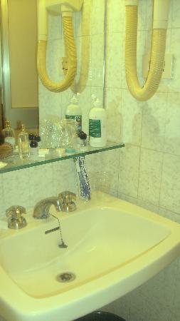 Hotel Roma e Rocca Cavour: Bagno