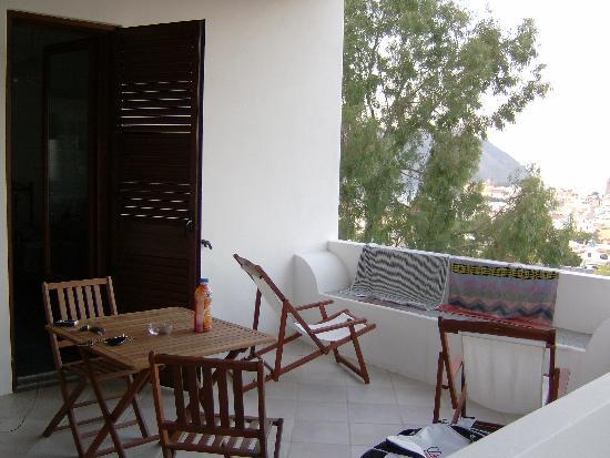Villa Diana: il terrazzo fuori dalla stanza 18