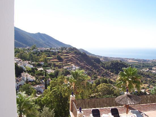 Mijascasa Villa La Jamisa: View from the Sun Suite
