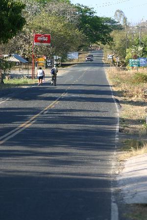 The highway in front of Casita Margarita