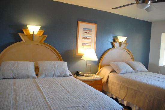 Bonneville Inn: Queen Room