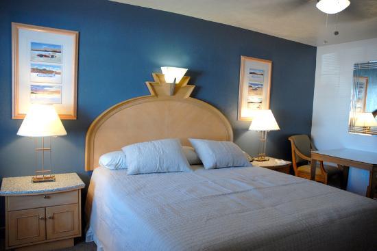 Bonneville Inn : King Room