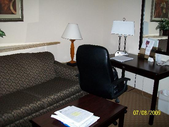 Comfort Suites North: King Deluxe Room 1