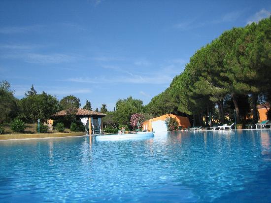 Porto Istana, Italia: La piscina