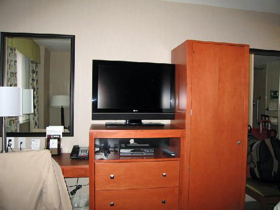 Holiday Inn NYC - Manhattan 6th Avenue - Chelsea: Zimmer/TV