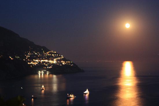 Hotel Conca d'Oro Positano: moon lit night from terrace