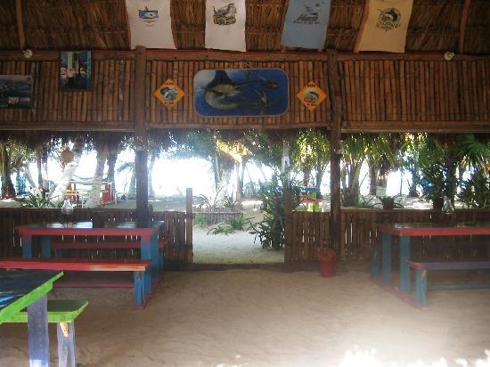 Bungalos Costa del Sol: Restaurante Muy Rustico
