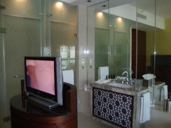 Manzil Downtown Dubai: The Room 2