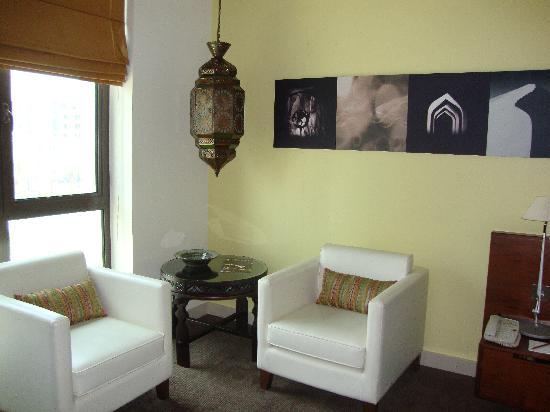Manzil Downtown Dubai: couches