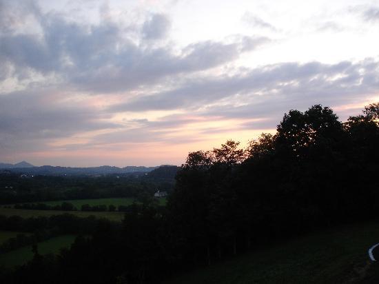 Braeside Inn: sunset from the porch