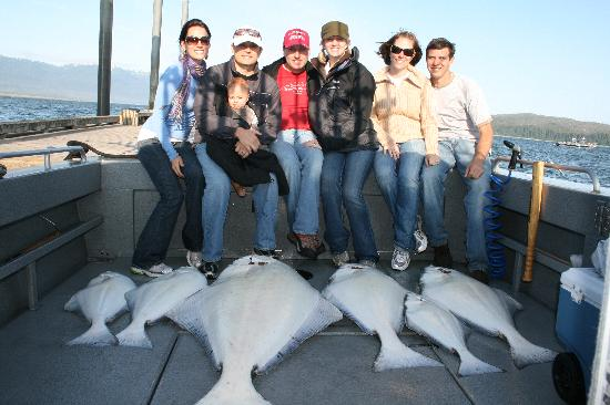 Glacier Bay Country Inn: Our group fishing