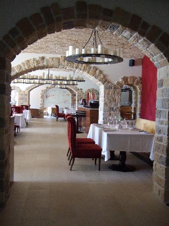 Hotel Monte Mulini: Wine Vault restaurant
