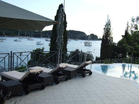 Hotel Monte Mulini: Comfortable loungers