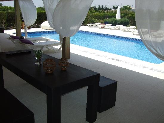 Vilacampina Guesthouse: pool area