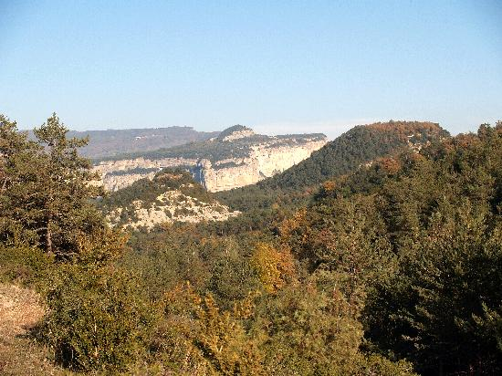Vic, Espagne : The view from the Monastir de Sant-Pere de Casserres